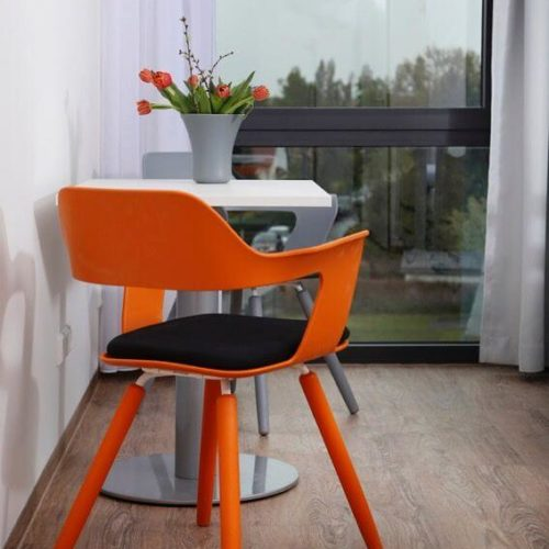 Klinik Stuhl Orange