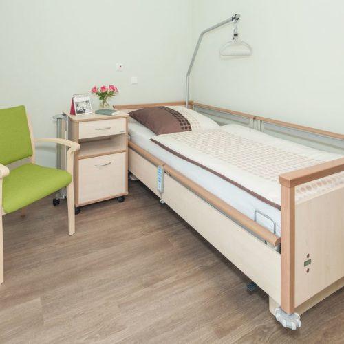 Pflegeheim Bett