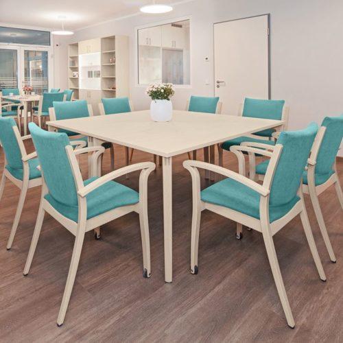 Pflegeheim Tischgruppe Blau