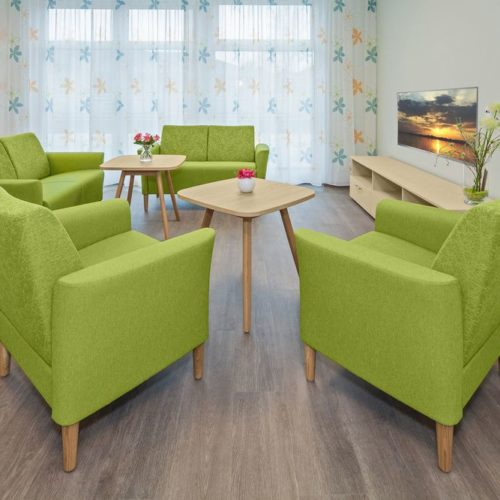 Pflegeheim Gemeinschaftsraum Sesselgruppe