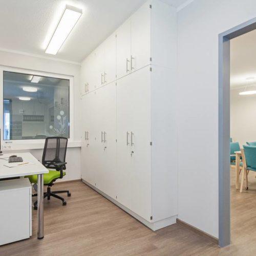 Arztpraxis und Dienstzimmer