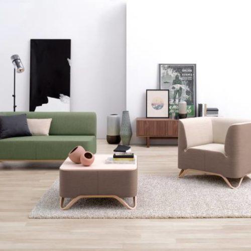 Couch, Sessel und Tisch Wartebereich