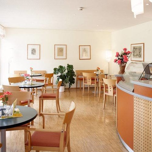 Cafeteria Orange/Braun