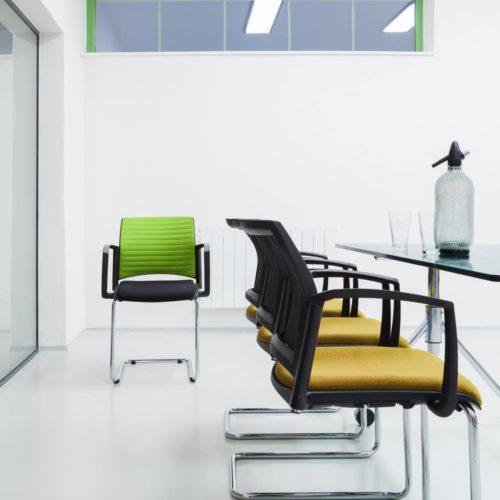 Konferenzraum Stühle Gelb/Grün