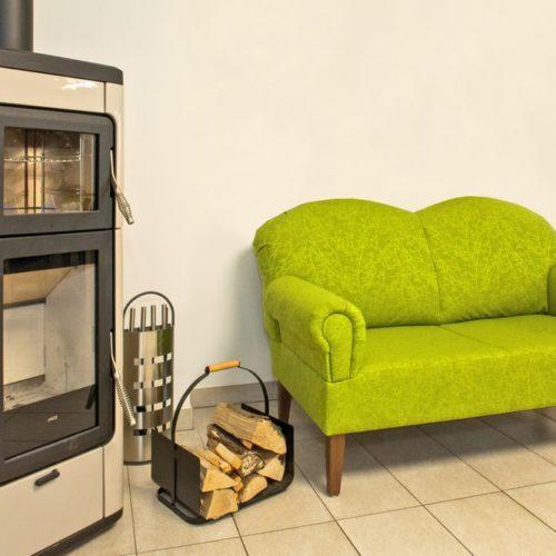 Tagespflege Couch und Kamin