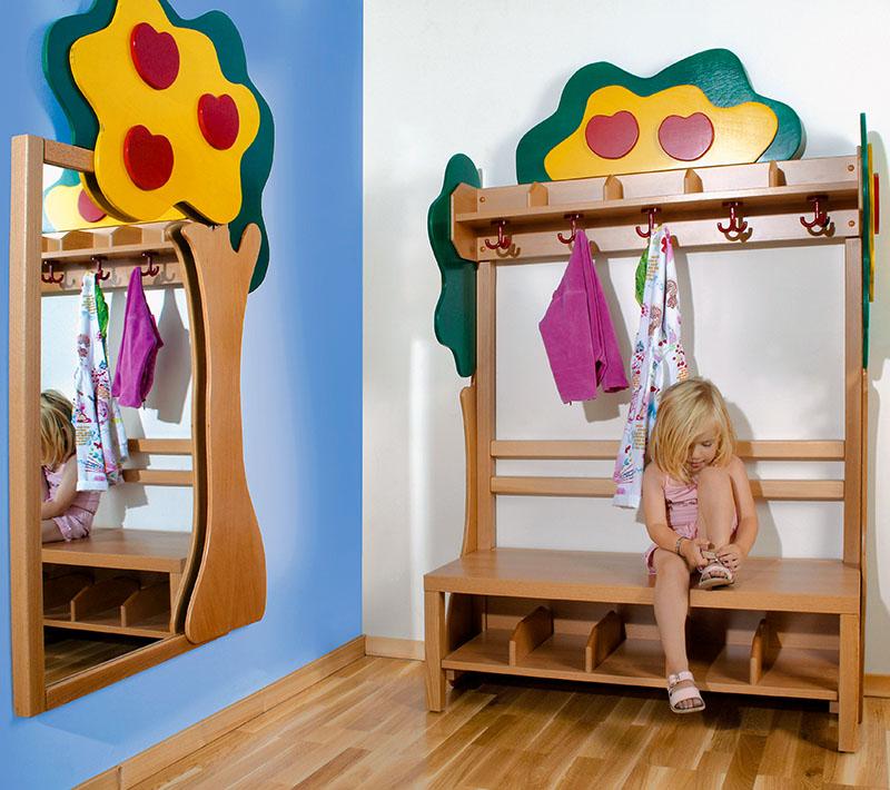 Kinder Garderobe